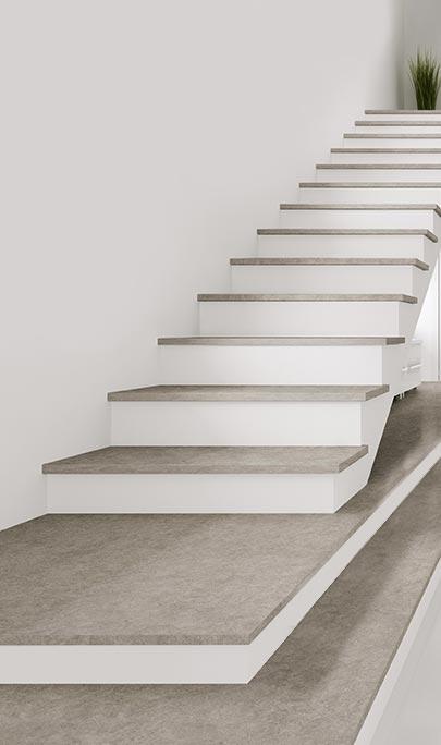 Marches et contremarches d'escaliers en pierre sur mesure pour intérieur et extérieur