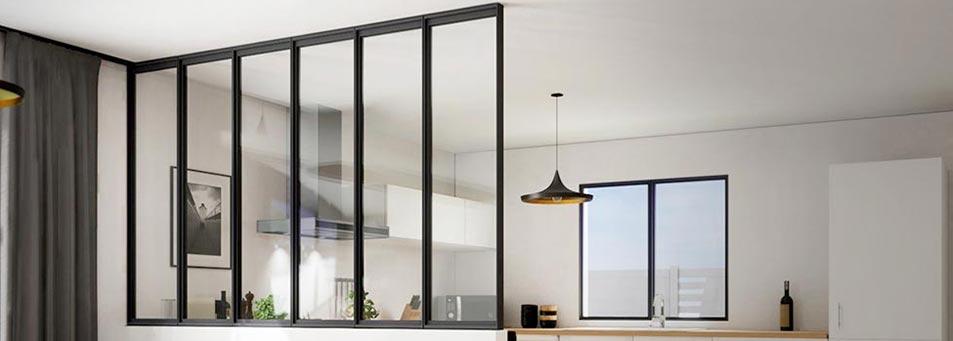 Verrière en aluminium sur mesure pour un intérieur contemporian